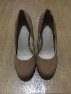Parisian Nude High-Heeled Shoes