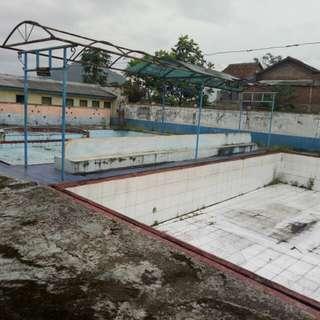 Jual tanah x kolam renang