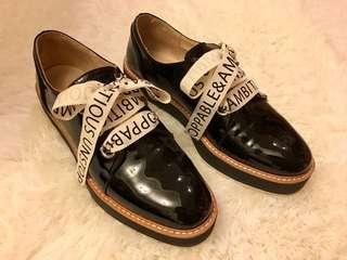 Zara 紳士風 亮皮面 緞帶鞋帶休閒鞋