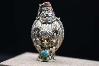 純銀手工鼻煙壺,珊瑚綠松石鑲嵌,清時期