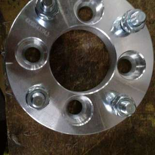 Wheel spacer pcd 4×100 to pcd 4×114.3
