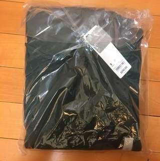 GU 帽T 墨綠 原價590賣200