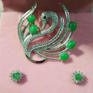 天然翡翠戒指、耳環、吊墜連頸鏈套裝,925 純銀裝嵌, 附有證書,$1680