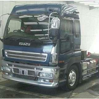Trucktor head isuzu