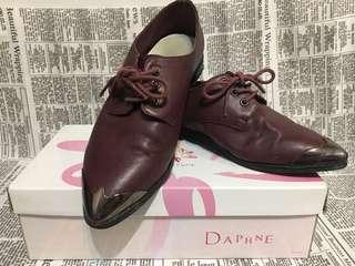 🚚 達芙妮酒紅尖頭鞋(附鞋盒)