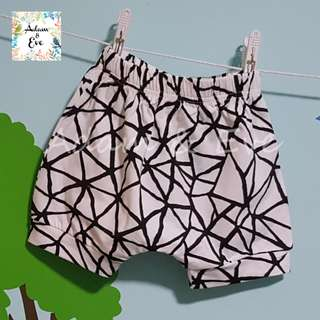 Assorted Graphic Shorts E4 – Criss Cross Shorts