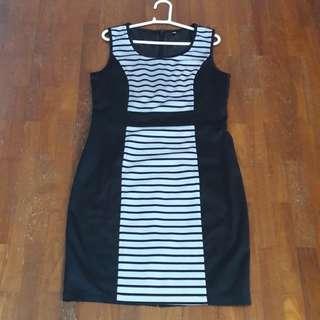 Black & White striped dress. L size.