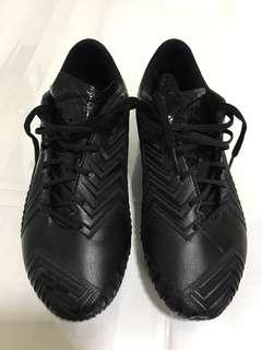 Predator instinct black pack US6.5 UK6 - TOPGRADE soccer / football boots