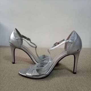 Fioni Night Silver Heels (Size 6)