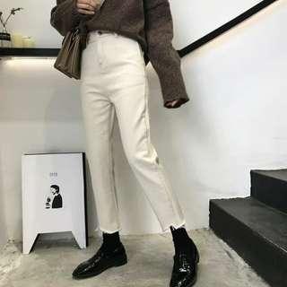百搭純色牛乳色毛邊牛仔褲