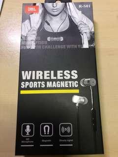 JBL wireless sports earpiece