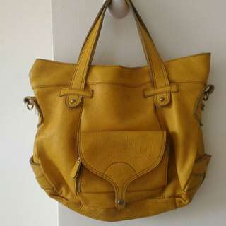 Genuine leather tote bag in mustard