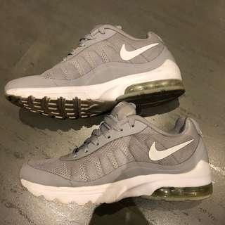 Nike球鞋