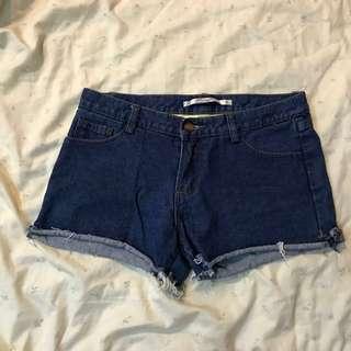 Queen shop 牛仔短褲