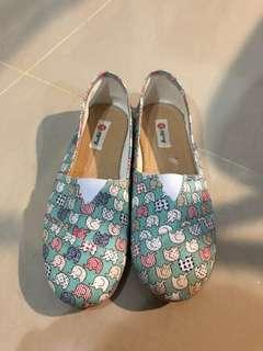 Sepatu Slip On: Tosca - Motif Gajah