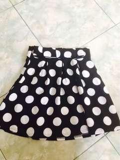 Rok polkadot hitam motif putih