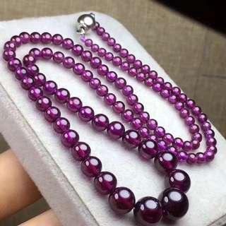 03 天然石榴石塔鏈,顏色極美,晶體通透,表面光滑,佩戴美容養顏,規格: 3.2*9.6mm,重:26.9克,批發價:2680️ 實物真心不錯哦
