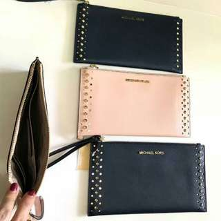 Michael kors large zip clutch wristlet Navy and Blush Pink size: 25cm x 14cm