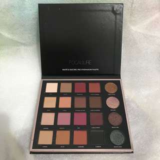 Focallure PRO 20 Color Eyeshadow