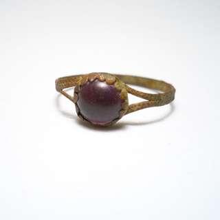 Medieval Ladies Ring with Jewel