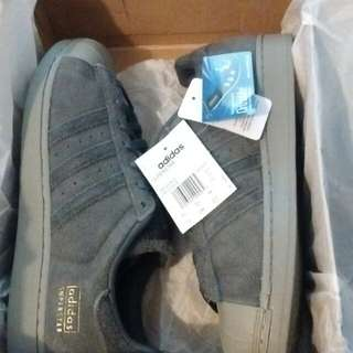 New w/ Tags Adidas Superstar Size 10
