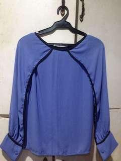 Mahangin na blouse