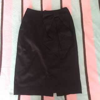 H&M Black Skirt with a Bow
