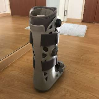 medical boots for leg