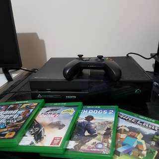 1TB XBOX ONE W/ 4 GAMES AND MORE DOWNLOADED