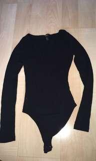Low neck bodysuit