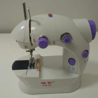 Sewing Machine 衣車