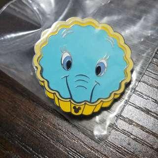 Disney pin 蛋撻小飛象