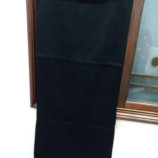長版窄裙—黑跟灰