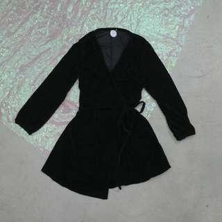 v領綁帶造型不規則洋裝
