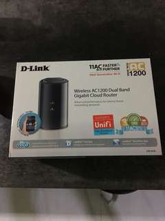 Wireless AC1200 Dual Band Gigabit Cloud Router