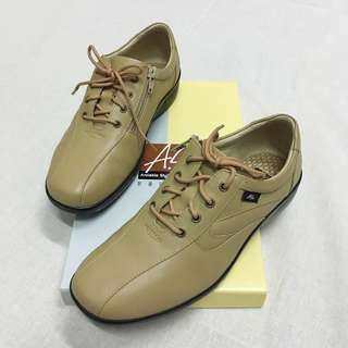 尺寸:23.5 / 6.5 鞋面:牛皮  鞋底:PU  原價:$4195 僅試穿一次
