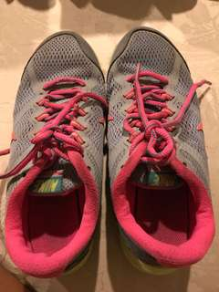 Nike shoes size 35
