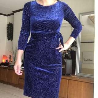 無敵美 寶藍色印花顯瘦洋裝