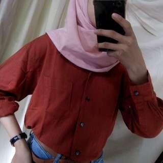 Kemeja merah bata