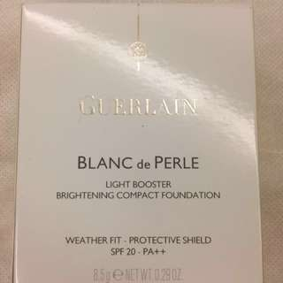 Guerlain Blanc de Perle Light Booster Brightening Compact Foundation SPF 20 - PA++