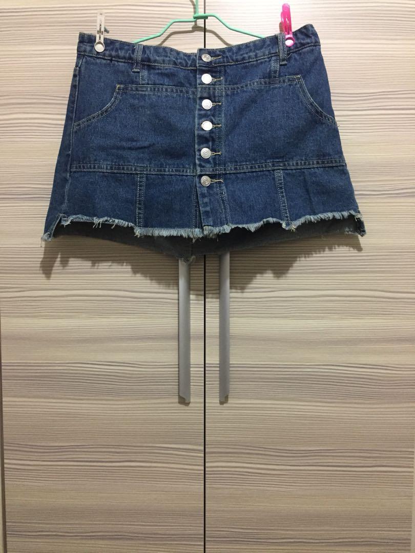 排釦中高腰短裙