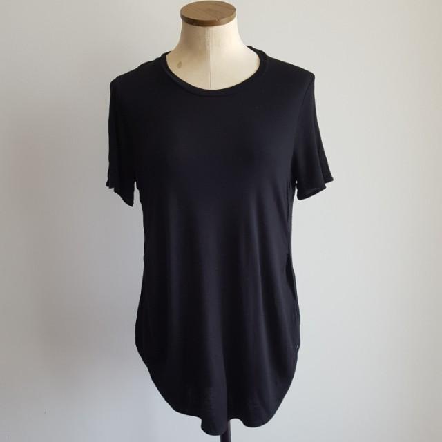 Aritzia Wilfred Black T-Shirt