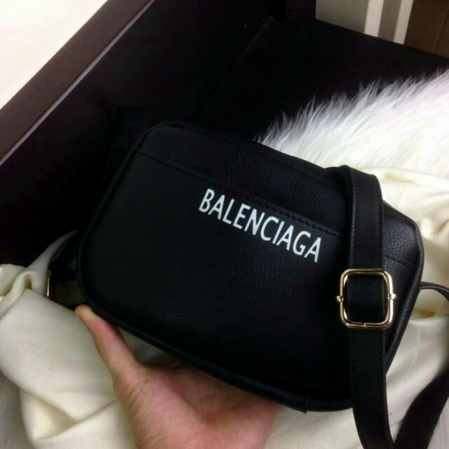 BAL3NCIAGA Printed Logo Camera Leather Crossbody