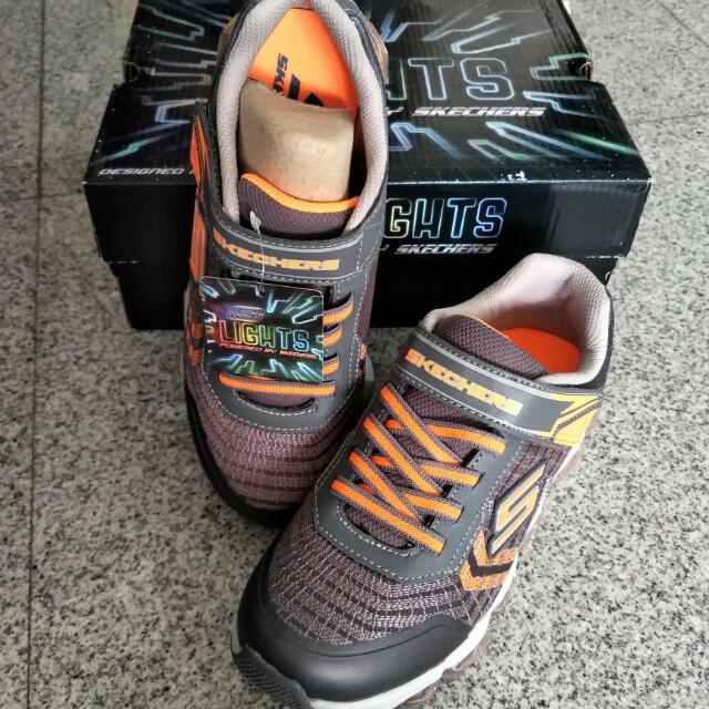 BNIB Light Up Skechers Shoes Boys Turbo