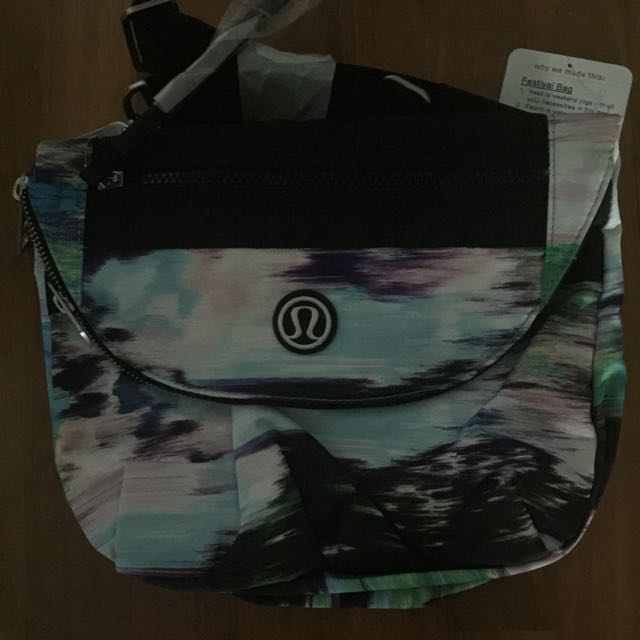 BNWT Lululemon festival bag (version one)