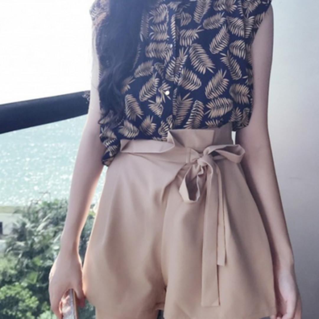[Buying] XXS / XS (size 4-6) high-waisted shorts / skirts / playsuit