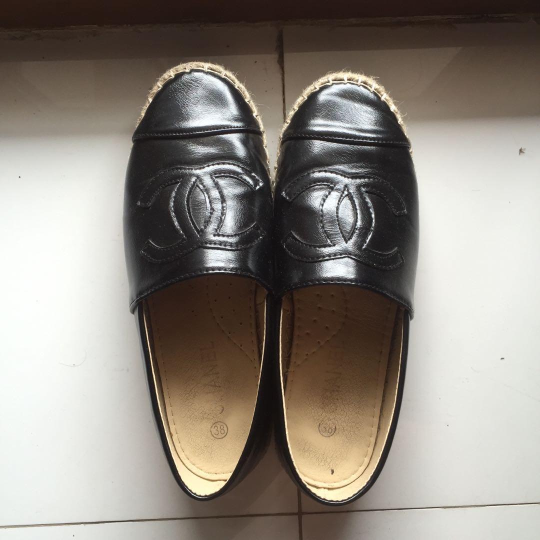 Chanel flip shoes