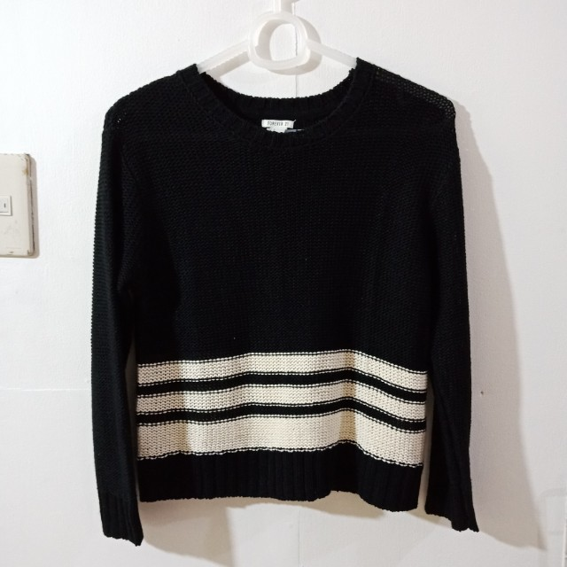 Forever 21 Knit Pullover