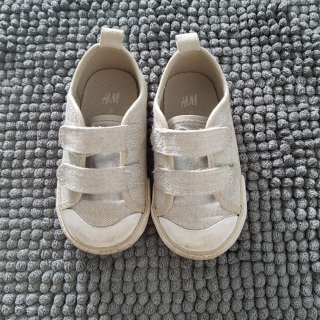 Hm Kids Shoes Size 22 Babies Kids Babies Apparel On Carousell