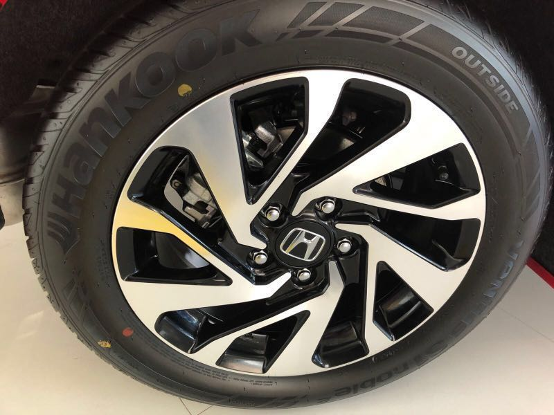 Exceptional Honda Civic Stock Rim And Tyre 16inch 215/55/16, Car Accessories On  Carousell